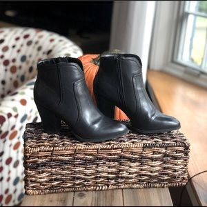 Black Faux Leather Booties Sz 8